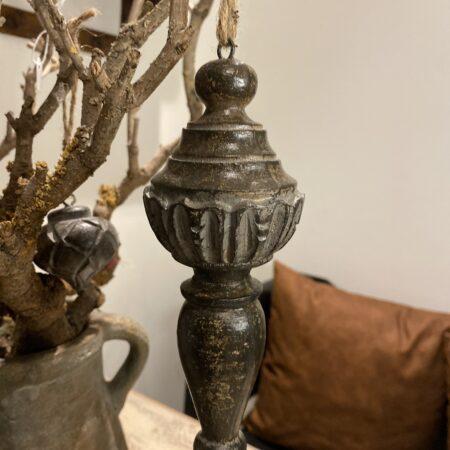 oud hangend ornament stoer interieur