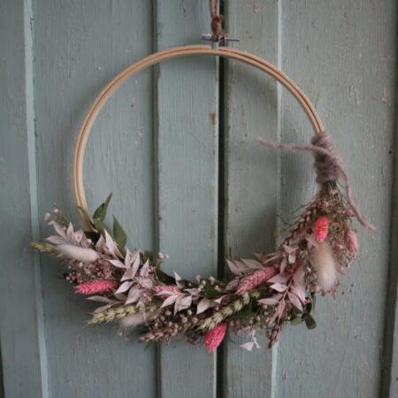 droogbloemen krans wit/roze